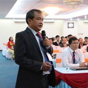 Bs. Nguyễn Đức Huấn, Phó Giám đốc Trung tâm Dị ứng – Miễn dịch lâm sàng BV Bạch Mai tới tư vấn, khám chữa bệnh tại BV Hưng Thịnh