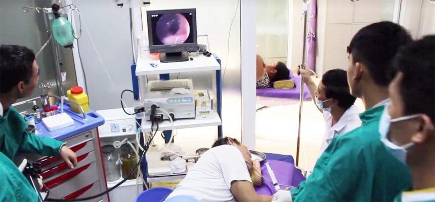 ThsBs. Đỗ Anh Giang thực hiện ca cắt Polyp điển hình tại BV Hưng Thịnh